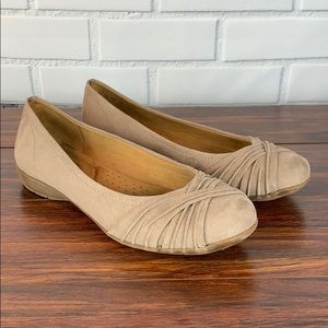 Natural Sole Tan Flats Size 8